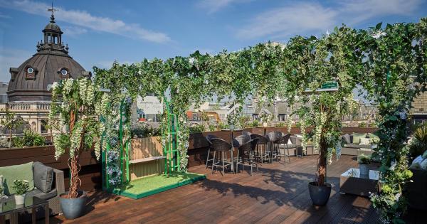 Aqua Kyoto unveils a verdant rooftop Japanese gin garden