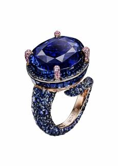 High jewellery ring by De Grisogono